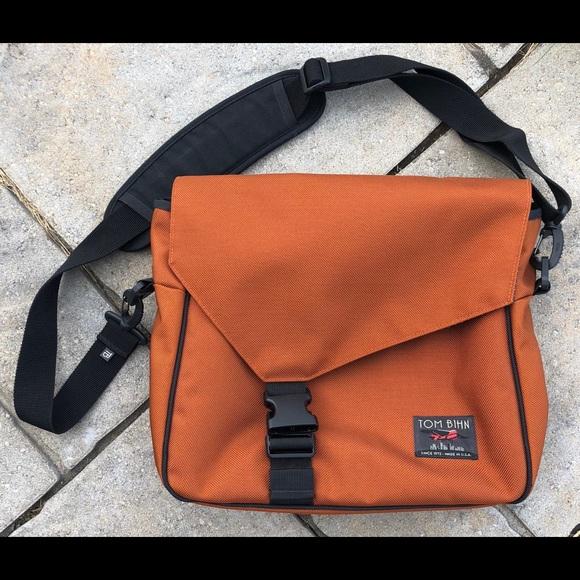 708be851f Tom Bihn Maker's Bag. M_5ba02df3aa87706cba2e11b3